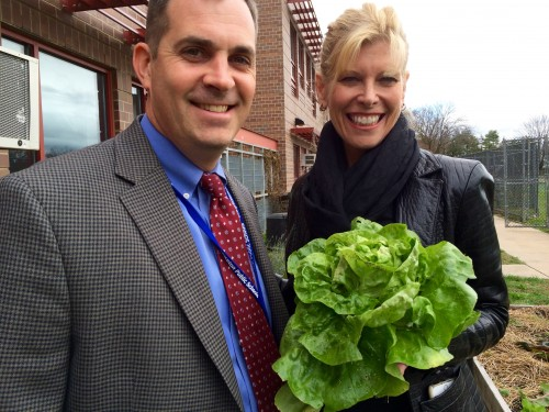 Jason Burr, JW principal, and Debbie Schaeffer, owner of Mrs. G's, toured the JW Teaching Kitchens and Edible Gardens - and she left with a beautiful lettuce bouquet for lunch! Thank you, Debbie, for your generous gift of 5 single-basin kitchen sinks and high-neck faucets for upgrading the Teaching Kitchens. They will make washing big pots and pans almost easy!